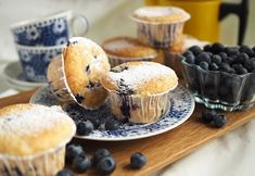 Kulinaari-ruokablogi: Kesän muhkeimmat mustikkamuffinit, myös gluteenitt...