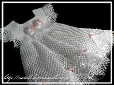 Oi amigas (os)!   Vejam que gracinha esse vestidinho de croche:                           aqui GRÁFICO da pala   aqui GRÁFICO da saia  ...