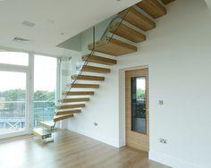 Zwevende Trap Veiligheid : Houten balustrade en trap voor veiligheid project houten