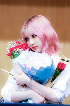 ♡⃕ Eunha Pics 🌸 ( South Korean Girls, Korean Girl Groups, Get My First Job, Jung Eun Bi, Korean Singer, Pink Hair, Kpop Girls, Asian Girl, Pin Up