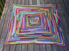 My great granny square with most of the ends woven in Scrap Yarn Crochet, Crochet Mat, Crochet Poncho, Crochet Stitches, Blanket Crochet, Granny Square Poncho, Crochet Projects, Crochet Ideas, Yarn Bombing