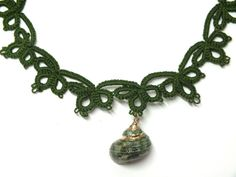 Green Shell Necklace Green Tatted Lace Choker Green by Hermitinas