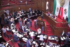 La Medalla Michoacán al Mérito Docente será entregada por el Presidente de la Mesa Directiva y la Comisión de Educación, en sesión solemne que se celebrará el día 15 de ...