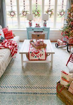 Our Christmas Living Room 2019 Swedish Christmas, Cozy Christmas, Retro Christmas, Christmas Items, Rustic Christmas, White Christmas, Christmas Crafts, Christmas Interiors, Christmas Living Rooms