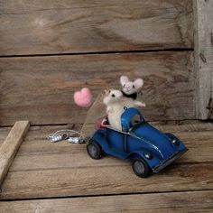 Wedding cake topper Felt mice blue car Just married by CozyMilArt, $74.47