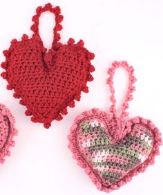Sweet Heart Sachet.   Make your heart sachets in a solid color or make the hearts in one color and edge with a second color. (EASY)