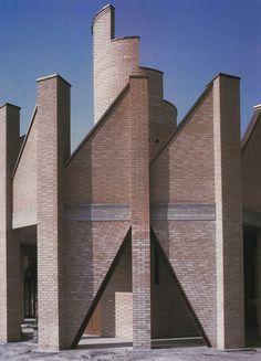 Paradise Backyard: Architettura del Mattone