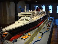Queen Mary 2 in Lego- So, you want to come & build everything else I love with legos too?