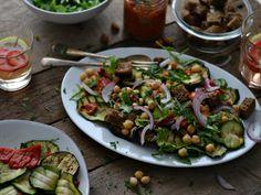 salada de grão, crountons e legumes grelhados1