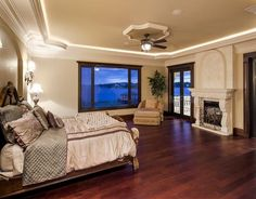 Magnificent brand new 6 bedroom all in-suite, includes 2 lavish master suites that share inspiring waterfront views. #realestate #florida #dreamhome