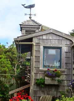 Cannon Beach Cottages with Fun Curb Appeal: http://www.completely-coastal.com/2014/06/outdoor-nautical-curb-appeal-ideas.html