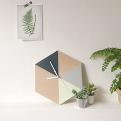 Etsy の Hexagon Geometric Wall Clock by InTheMakingMade