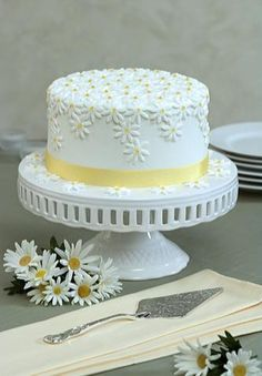 daisy cake....I could do this!