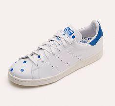 Stan Smith x colette http://www.vogue.fr/mode/news-mode/diaporama/les-sneakers-stan-smith-customisees-par-le-concept-store-colette/19012