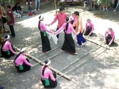 Xoe Dancing in Mai Chau valley