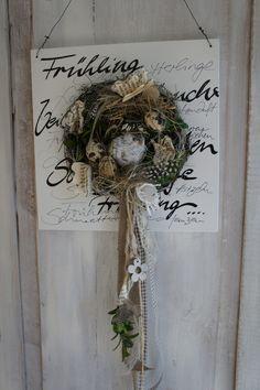 """Osterdeko - Tür/Wanddeko """" Alle Vöglein sind schon da...."""" - ein Designerstück von Hoimeliges bei DaWanda Grapevine Wreath, Grape Vines, Easter, Wreaths, Etsy, Home Decor, Summer Recipes, Decoration Home, Door Wreaths"""