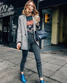 Fall Street Style Outfits to Inspire Fall street style fashion / Fashion week Fashion Mode, Fashion Week, Look Fashion, Fashion Trends, Womens Fashion, Fashion Ideas, Street Fashion, Winter Fashion, Feminine Fashion