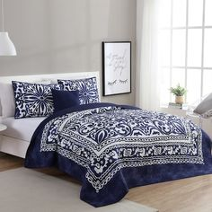 Vcny Home Eleanor Quilt Set (Full - Queen - 4 Piece), White College Bedding, Dorm Bedding, Bedding Shop, Navy Bedding, Modern Bedding, Quilt Bedding, Kohls Bedding, Bed Quilts, Luxury Bedding Sets