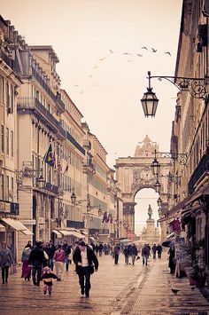 Lisboa, Portugal- One of my favorite places to visit in Europe. Places Around The World, Oh The Places You'll Go, Places To Travel, Places To Visit, Around The Worlds, Travel Destinations, Wonderful Places, Beautiful Places, Amazing Places