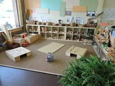 This is my current favorite as far as block centers go. I love the amount of some children have to build the protected spaces using raised platforms and a plethora of building materials to promote creativity design concepts problem-solving etc. Reggio Emilia Classroom, Reggio Inspired Classrooms, Reggio Classroom, Preschool Classroom, Classroom Decor, Teaching Kindergarten, Kindergarten Classroom Layout, Preschool Block Area, Preschool Rooms