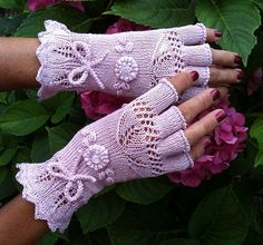 Knitting Patterns Gloves Ravelry: dom-klary's Summer Wine Gloves… Dont be a lazy knitter….Finish the fingers! Lace Knitting, Knitting Stitches, Knitting Patterns, Fingerless Gloves Knitted, Knit Mittens, Crochet Gloves Pattern, Lace Gloves, Wrist Warmers, Knitting Accessories