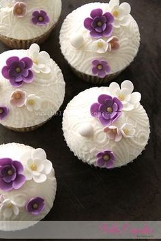 Purpe flower cupcakes-cute for a baby shower Pretty Cupcakes, Beautiful Cupcakes, Flower Cupcakes, Yummy Cupcakes, Purple Cupcakes, Mocha Cupcakes, Gourmet Cupcakes, Strawberry Cupcakes, Easter Cupcakes