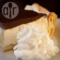 Torta bomba de chocolate com creme @ allrecipes.com.br