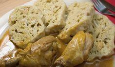 Špalda je druh pšenice a jako taková obsahuje lepek. Protože však není přešlechtěná tak jako jiné obiloviny, je obvykle mnohem lépe snášená ilidmi na… Mashed Potatoes, Bread, Chicken, Ethnic Recipes, Food, Whipped Potatoes, Smash Potatoes, Brot, Essen