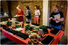 Ernährung und gesundes Kochen wird hier groß geschrieben!  Barcelona-MasSalagros-Ecoresort-Biohotels Barcelona, Daimler Benz, Das Hotel, Road Trip, Hotels, Sevilla Spain, Tips, Road Trips, Barcelona Spain