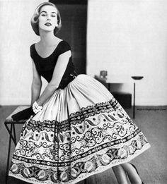 1952 Nelly De Grab dress. Photo by Tom Polumbo.