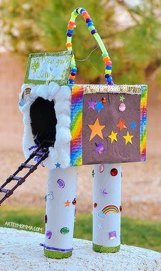 Easy recycled cardboard leprechaun trap craft for grade, kindergarten, and preschool Outdoor Activities For Kids, Preschool Crafts, Toddler Activities, Preschool Activities, St Patricks Day Crafts For Kids, Crafts For Kids To Make, Kids Crafts, Diy Craft Projects, Projects For Kids