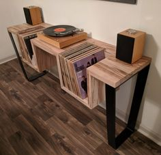 How to Make a DIY Record Player Stand (Woodworking Guide) - Cluttter bench design furniture jigs techniques Record Player Table, Record Table, Vinyl Record Player, Record Players, Record Player Cabinet, Record Player Furniture, Vinyl Record Stand, Record Shelf, Project Record Player