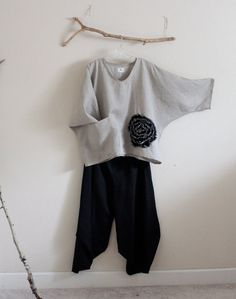 Hey, I found this really awesome Etsy listing at https://www.etsy.com/listing/258962370/linen-outfit-black-flower-natural-linen