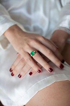 Natural Looking Nails, Colored Engagement Rings, Nail Ring, Next Wedding, Jewel Box, Fashion Face, Eye Make Up, Short Nails, Manicure And Pedicure
