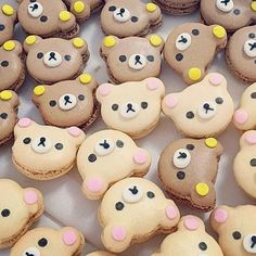 Need a whole box of these to get through Monday! Macarons, Macaron Fimo, Macaron Cookies, Macaron Recipe, Cute Food, Yummy Food, Dessert Original, Kawaii Cooking, Cute Baking
