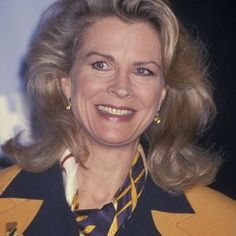 Check out production photos, hot pictures, movie images of Candice Bergen and more from Rotten Tomatoes' celebrity gallery! Candice Bergen, Celebrity Gallery, Hacks, Rotten Tomatoes, Sean Connery, Style Icons, Beautiful Women, Blondes, Celebrities
