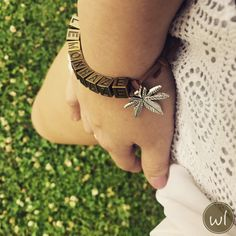 unisex - weed theme bracelets - vintage style with antique-gold metal cubes and antique-silver metal charms Vintage Photos, Vintage Items, Vintage Style, Vintage Fashion, Antique Silver, Vintage Outfits, Classy, Unisex, Chic