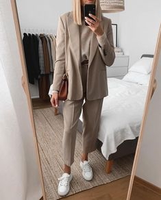 Cute and beautiful fashion style for women of all time 40 – empyreandivine Winter Outfits For Work, Casual Winter Outfits, Classy Outfits, Chic Outfits, Fashion Outfits, Summer Outfits, Fashion Clothes, Trendy Outfits, Fall Outfits