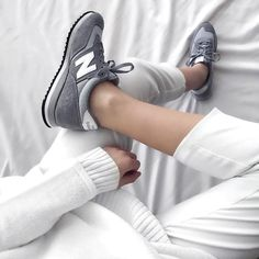Sneakers women - New Balance grey (©jacquiealexander)