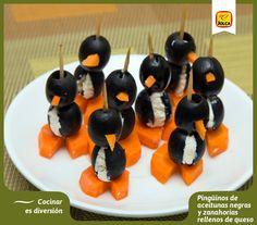 Pingüinos de aceitunas negras y zanahorias rellenos de queso. #Jolca #AceitunasNegras #CocidaCreativa #ComidaParaNiños