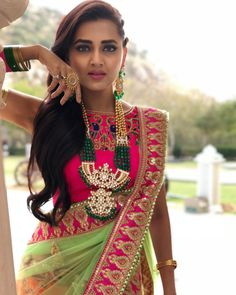Be loyal to the royal within you . Buy Designer Sarees Online, Designer Silk Sarees, Pakistani Bridal Dresses, Indian Dresses, Tashan E Ishq, Satin Saree, Sari Blouse Designs, Blouse Styles, Cute Celebrities