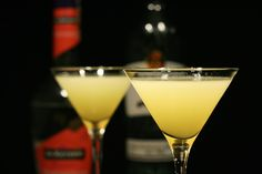 #papa_doble  #silver_rum or #white_rum  #lime_juice  #grapefruit_juice  #maraschino_liqueur  mix ingredients with #ice and pour it all into a tall glass or blend in a #blender with ½ cup of #ice and pour into a medium glass.   #lime_wheel as #garnish for either.