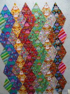 Material Obsession - Kathy Doughty I never thought of making zig-zags with diamonds.