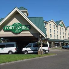 Dog Friendly Hotel In Portland Or The Portlander Inn And Marketplace