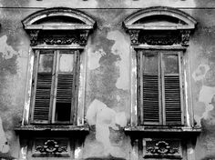 Old windows by Boritah on DeviantArt.