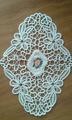 Romanian Lace, Point Lace, Macrame Tutorial, Macrame Patterns, Hand Embroidery, Decoupage, Stuff To Do, Diy And Crafts, Rugs