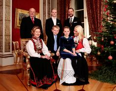 royalcourtno:  The Royal House of Norway official site-The Royal Family gathered at the Royal Palace for Christmas Photos-back-King Harald, Marius Høiby, Crown Prince Haakon; seated-Queen Sonja, Prince Sverre Magnus, Princess Ingrid Alexandra, Crown Princess Mette-Marit.  Photos by Håkon Mosvold Larsen.