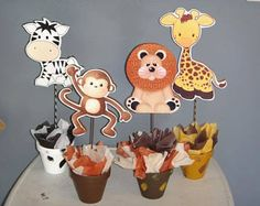 Beautiful centerpieces for Baby Shower. Jungle Baby Animals, made with foam sheet on a glass base, decorated with ribbons. Safari Party Centerpieces, Baby Shower Table Centerpieces, Diy Baby Shower Decorations, Baby Shower Themes, Cake Decorations, Centerpiece Ideas, Baby Shower Cupcakes For Boy, Baby Boy Shower, Safari Candy Table