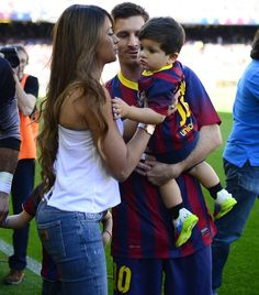 Lionel Messi Wife Images 6