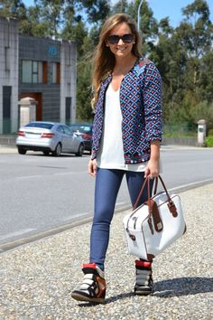 21 Perfect Winter Outfits  don't like the shoes but love the jacket